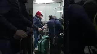 """В международном аэропорту """"Оренбург"""" получить багаж не так-то просто"""