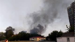 В Челябинске на стройке пожарные тушили 800 квадратных метров пуха