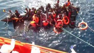 Десятки мигрантов спасены в Средиземном море