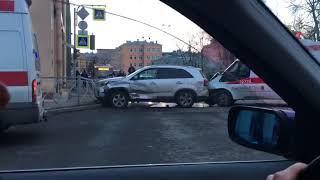 Серьезное ДТП произошло в Санкт-Петербурге
