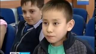 Ученики гимназии в Иркутске помогают собирать деньги для больного мальчика