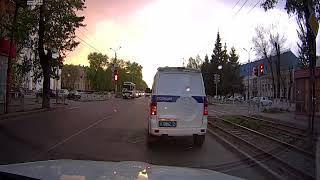 Промчался на красный — реакции ноль. Челябинского автомобилиста возмутило бездействие полиции