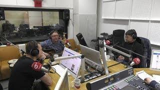 Музыкант Павел Иньков из Ханты-Мансийска на квартирнике радио «Югра»