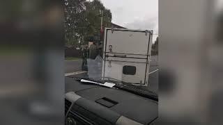 В Ярославле перевернулся грузовик