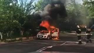 В Минводах автомобиль не доехал до СТО и загорелся
