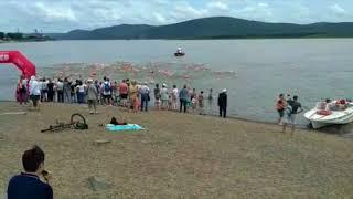 Массовый заплыв через Амур у Комсомольска