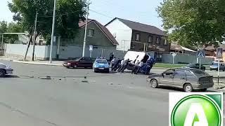 Полицейская машина попала в ДТП в Костанае