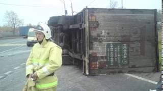 В Ростовском районе перевернулась фура