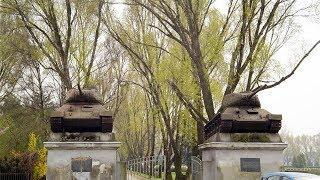 Призраки Советского Союза. Зачем в Польше сносят памятники времен Второй мировой войны