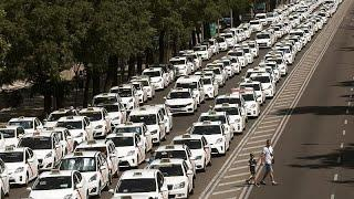 Стачка испанских таксистов против Uber окончена