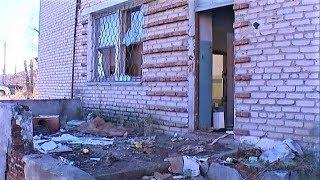 В Советском ищут собственника брошенного здания с опасными химикатами внутри