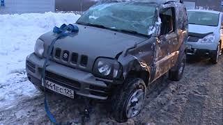 Водитель врезался в столб в ДТП на Русском острове