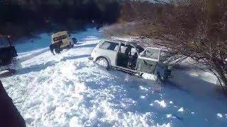 На Иссык-Куле в ДТП погибли супруги: как вытаскивали авто из обрыва
