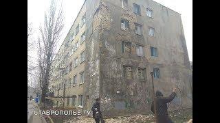 Что ждет жильцов разрушающегося общежития