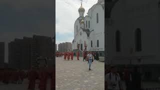 Шестиметровый поклонный крест в память о святых Царственный страстотерпцах воздвигли в Ростове