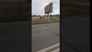 Под Новотроцком автомобиль снес бетонный столб