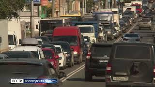 ГИБДД оштрафует подрядчика ремонтных работ на Октябрьском мосту