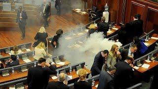 Слезоточивый газ в парламенте