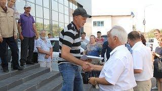 UTV. Жителям Башкирии, которые пострадали на производстве, подарили автомобили