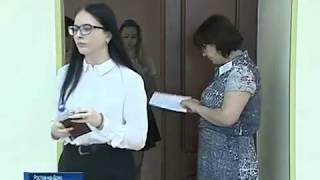 Донские школьники сдают ЕГЭ по иностранным языкам и биологии