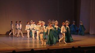 В Волгограде состоялся большой отчетный концерт ансамблей «Улыбка» и «Юг России»