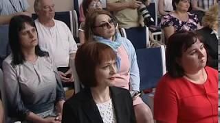Губернатор Дона в честь Дня России вручил жителям региона государственные и областные награды