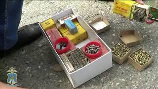 6 единиц боевого оружия и 2 килограмма пороха изъяла ставропольская полиция