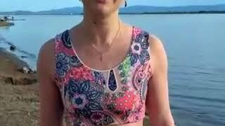 Анна Шафран купается в Амуре