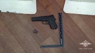В Подмосковье полицейскими задержан подозреваемый в разбойном нападении на салон сотовой связи