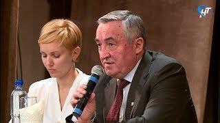 Мэр Великого Новгорода Юрий Бобрышев отчитался перед горожанами о работе администрации в 2017 году
