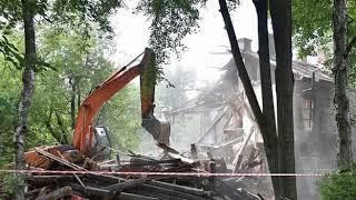 В Ярославле продолжается демонтаж ветхих домов