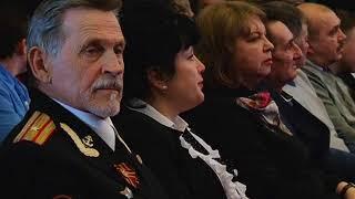 В парламенте провели выставку к дню референдума