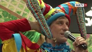 """В торгово-развлекательном центре города """"Макси"""" прошёл концерт театра кукол """"Тридевятое царство"""""""