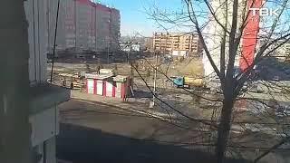 На остановке на ул. Алеши Тимошенкова с павильона сорвало крышу