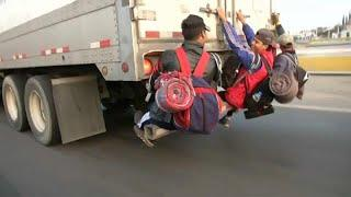Караван мигрантов продолжает путь