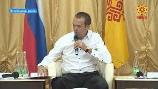 С посещения школы началась рабочая поездка Михаила Игнатьева в Янтиковский район.