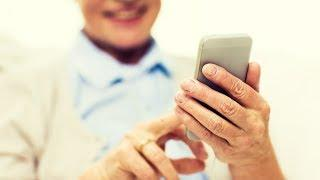 Югорских пенсионеров учат с умом пользоваться смартфонами