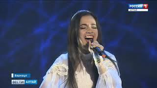 Участников проекта «Поверь в себя» оценит известная в Сибири певица и педагог по вокалу Инна Каршева