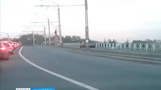 В Красноярске  водитель использовал тротуар, чтобы преодолеть затор