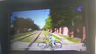 ДТП трамвай. Ребёнок выезжает! на велосипеде ,не глядя, прямо под трамвай.