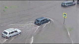 Нефтеюганец на «Ниве» добровольно буксировал вставшие из-за потопа машины