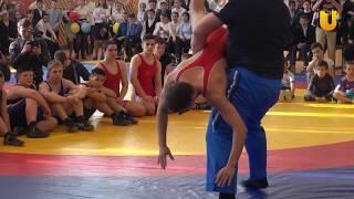 UTV. Александр Карелин в Уфе показал школьникам как правильно бороться