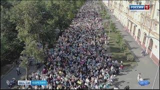 Тысячи первоклассников прошли по центру Петрозаводска