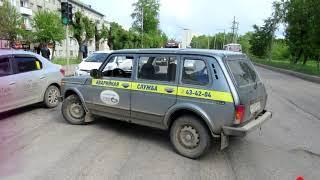 Обзор аварий  Немский район  УАЗ в кювете, 3 пострадавших