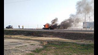 В Речице авто сгорел на глазах у водителя и прохожих
