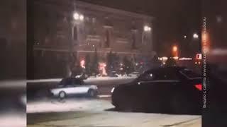 В Ростове 2-х водителей привлекли к административной ответственности за дрифт на Театральной площади
