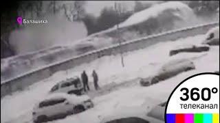 ЧП: в Балашихе обрушилась крыша парковки