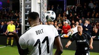 Болт - в футбол!
