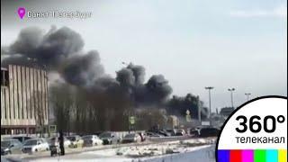Крупный пожар разгорелся на улице Савушкина в Санкт-Петербурге
