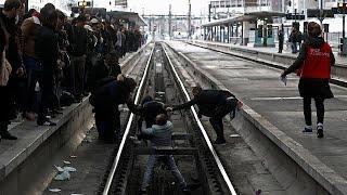 Забастовка во Франции: куда деваться пассажирам